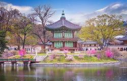 Le palais de Gyeongbokgung au printemps, endroit est voyage de Séoul Image libre de droits