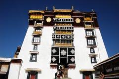 Le palais de Potala à Lhasa Photographie stock