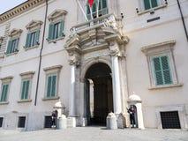 Le palais de Quirinale est la résidence principale du président de l'Italie Photographie stock libre de droits