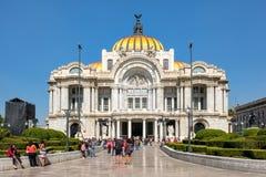 Le palais des beaux-arts, un lieu de rendez-vous célèbre de concert, musée et théâtre à Mexico photo libre de droits
