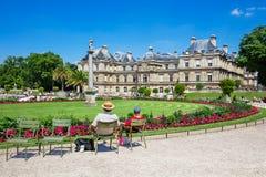 Le palais du luxembourgeois aux jardins du Luxembourg, Paris, France Photos stock