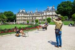 Le palais du luxembourgeois aux jardins du Luxembourg, Paris, France Photographie stock libre de droits