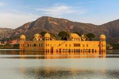 Le palais Ràjasthàn Jaipur de l'eau Photos stock