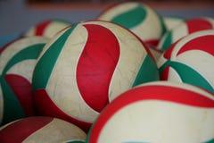 Le palle di pallavolo Fotografie Stock
