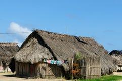Le Panama, maison traditionnelle des résidents de l'archipel de San Blas photographie stock libre de droits