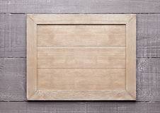 Le panneau texturisé en bois de signe pour des messages vident Images libres de droits