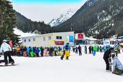 Le panorama de station de sports d'hiver de Bansko, ski incline, la Bulgarie Images libres de droits