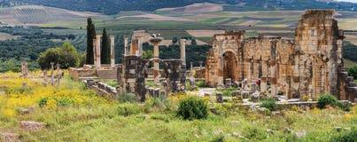 Le panorama de Volubilis est un Amazigh ruiné, puis ville romaine au Maroc près de Mekne Photos libres de droits