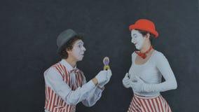 Le pantomime fait une proposition de mariage Photo libre de droits