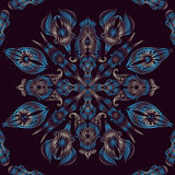 Le paon floral oriental sans couture bleu de modèle de dentelle fait varier le pas Photos libres de droits