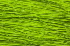 Le papier abstrait chiffonnent le fond, texture approximative de vert de pli Photo libre de droits