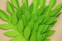 Le papier de feuilles a coupé le fond texturisé avec la texture sans couture d'ombre Tropical, feuilles d'été Images stock