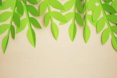 Le papier de feuilles a coupé le fond texturisé avec la texture sans couture d'ombre Tropical, feuilles d'été Photo libre de droits