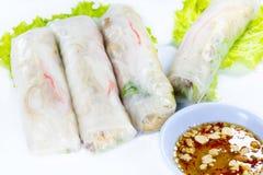 Le papier de riz vietnamien roule avec des crevettes roses Photographie stock libre de droits