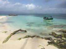 Le paradis est en mer des Caraïbes Image libre de droits