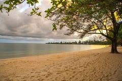 Le paradis et la plage blanche dans la province de kong de KOH au Royaume du Cambodge près de la frontière de la Thaïlande Photographie stock libre de droits