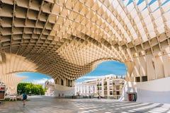 Le parasol de Metropol est Plaza de la Encar localisée par structure en bois Image stock