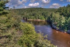 Le parc d'état d'un état à un autre est situé sur le St Croix River près de Taylo Photos libres de droits