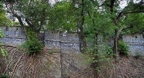 Le parc de Yuexiu, mémoire de Canton a une période de mur de ville antique de dynastie de Ming en Chine image libre de droits