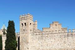 Le pareti antiche della città di Toledo, spagna fotografia stock