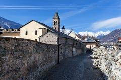 Le pareti della fortezza e le torri del aosta Italia del ` di Aosta Cinta Muraria e Torri Aosta Valle d immagini stock libere da diritti