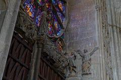 Le pareti dentro la cattedrale di Reims fotografia stock libera da diritti