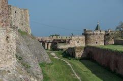 Le pareti e Zindan della fortezza Gate il complesso di Kapija, fortificazione di Kalemegdan Fotografia Stock