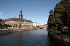 Le Parlement Christiansborg de Kopenhagen Slotsholmen images stock