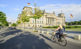 Le parlement construisant Berlin Allemagne l'Europe Images stock