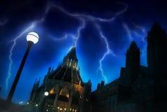 Le Parlement d'Ottawa avec la foudre Image libre de droits