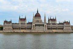 Le Parlement de Budapest de la rivière Photos libres de droits