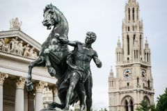 Le parlement de l'Autriche et Hôtel de Ville de Vienne photos stock