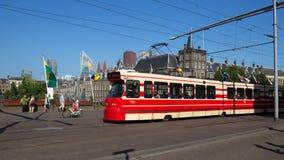 Le parlement néerlandais de la Haye de tram Photos libres de droits