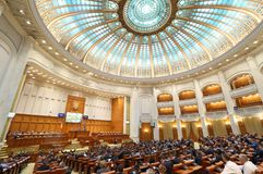 Le Parlement roumain - session de vote de la chambre des députés image libre de droits
