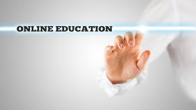 Le parole - istruzione online - su un'interfaccia virtuale Immagine Stock
