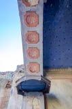 Le parti di sopravvivenza delle rovine dell'altare di vecchia chiesa del mattone Immagini Stock Libere da Diritti