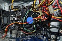 Le parti interne dell'unità di sistema del PC immagini stock
