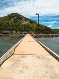Le passage couvert à héberger sur la plage Photo stock