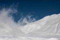 Le passage croisé en hiver Image stock
