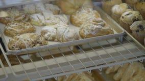 Le pasticcerie ed i croissant sono messi nel caso archivi video