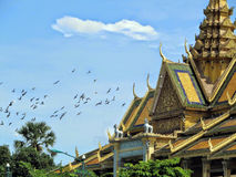 Le pavillon de clair de lune situé au complexe royal dans Phnom Penh Cambodge Images libres de droits