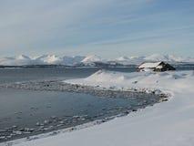 Le pays des merveilles arctique de l'hiver Photo stock