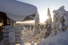 Le pays des merveilles de l'hiver de la Laponie Images libres de droits