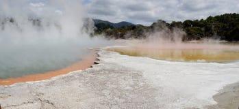 Le pays des merveilles géothermique de WaiOTapu, Nouvelle-Zélande Photo libre de droits
