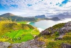 Le paysage étonnant de ressort de lofoten des îles Images stock