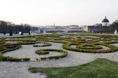 Le paysage baroque de parc du belvédère photographie stock libre de droits
