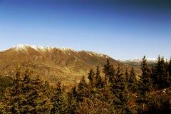 Le paysage coloré d'automne le long de la route au parc national de Huanglong Images stock