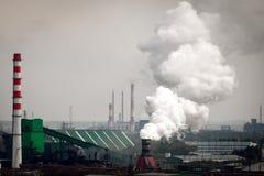 Le paysage d'une ville industrielle énorme photographie stock libre de droits
