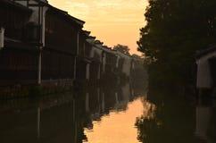Le paysage de la ville antique de Wuzhen chez Zhejiang, Chine Photographie stock