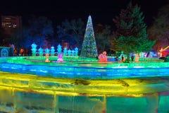 Le paysage de nuit d'hiver Photo stock